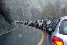 محور کندوان لغزنده است  توصیه پلیسراه به رانندگان محورهای کوهستانی