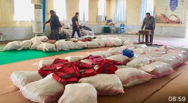 1500 بسته نوشت افزار بین دانش آموزان نیازمند دیری توزیع شد