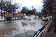 بارش رگباری موجب آبگرفتگی معابر در خراسان جنوبی شد