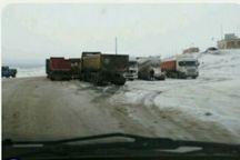 100 مسافر گرفتار در برف جاده سبزوار امداد رسانی شدند