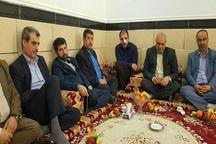 استاندار خوزستان از معلم مضروب حمیدیه دلجویی کرد