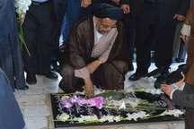 وزیر اطلاعات به مقام شامخ شهدای لرستان ادای احترام کرد