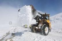 برف راه 7 روستای کوهرنگ را بست