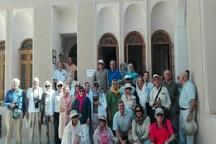 فرماندار ابرکوه: از مروجان  صنعت سبز گردشگری حمایت می شود