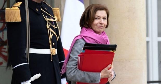 وزیر دفاع فرانسه: آمریکا متحدانش را مجبور به خرید تسلیحاتش میکند!