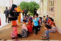 نمایش درمانگران برای کاهش آلام سیلزدگان به خوزستان آمدند