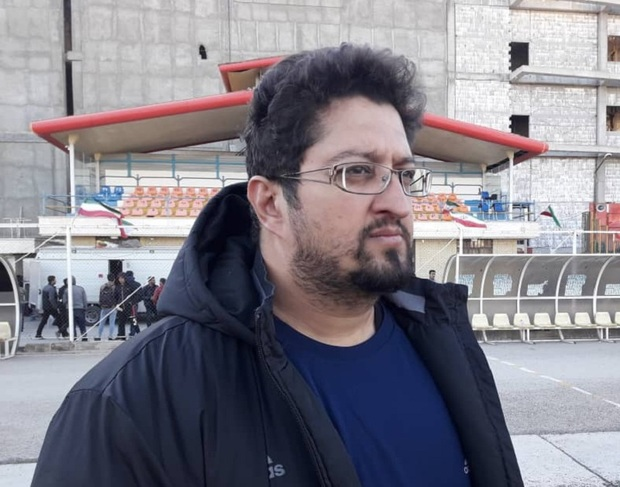 سرمربی کارون خرمشهر: بازیکنان ما به چمن مصنوعی عادت ندارند
