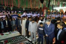 وزیر ارشاد به مقام والای شامخ شهدا در اهواز ادای احترام کرد
