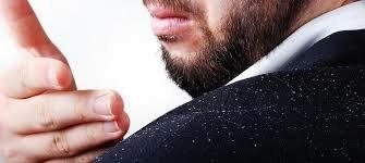 ۶ درمان خانگی برای شوره و خارش پوست سر