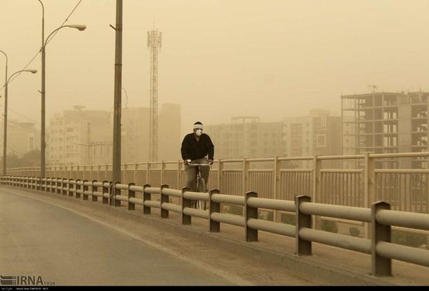 توده گرد و خاک عراقی در راه خوزستان است