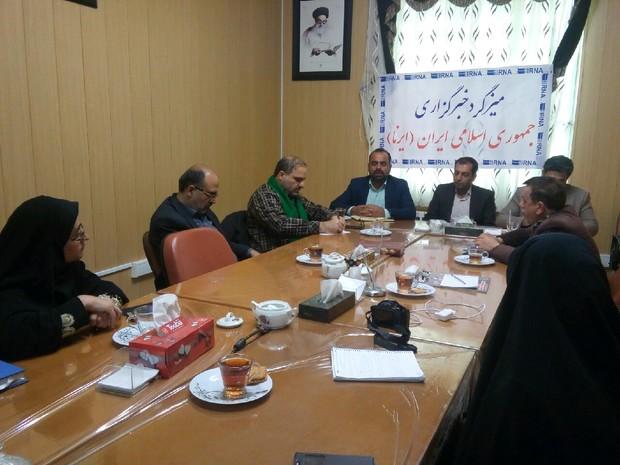 بخش خصوصی برای اجرای طرح های اشتغالزا در روستاهای مهریز همکاری کند