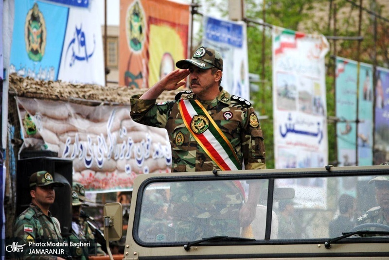رژه امدادی ارتش جمهوری اسلامی ایران در خرم آباد