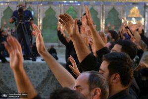 عزاداری ظهر عاشورا در حرم مطهر امام خمینی(س)