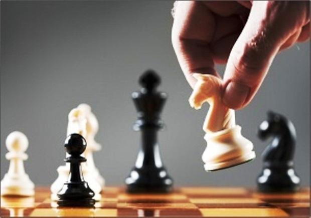 جشنواره شطرنج مردان کشور در همدان متوقف شد