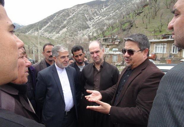 معاون عمرانی استاندار کرمانشاه از روستاهای جوانرود بازدید کرد