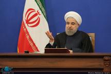 روحانی: اگر سلاح ما صد برابر باشد اما اعتمادها از بین برود، امنیت تامین نمی شود/ حرام که نیست یکبار هم از دولت تعریف شود/  کسی حق ندارد از رسانه عمومی، روزنامه و سایتی که از بیت المال اداره می شود، در انتخابات نسبت به فرد یا جناح خاصی استفاده کند