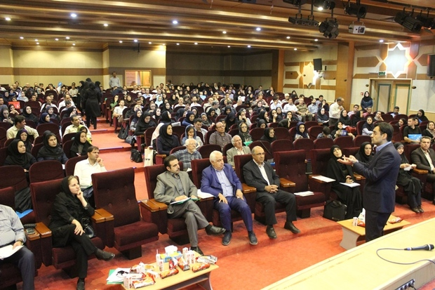 سمینار آموزشی مدیریت ارتباط و رفتار بامشتری (CRM) برگزار شد