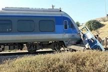 مصدومیت یک نفر بر اثر برخورد قطار با نیسان در اهواز