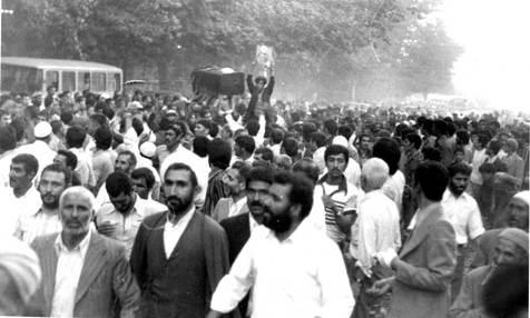 چرا رژیم جنازه شیخ احمد کافی را شبانه به مشهد بازگرداند؟ روز تشییع جنازه وی در مشهد چه گذشت؟