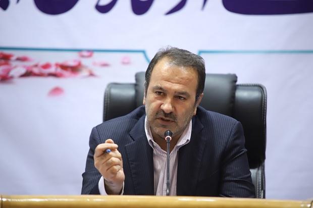 استاندار فارس:مدت پاسخگویی به مراجعان در ادارات کاهش یابد