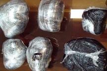 یک قاچاقچی با 10 کیلوگرم تریاک در تاکستان به دام افتاد