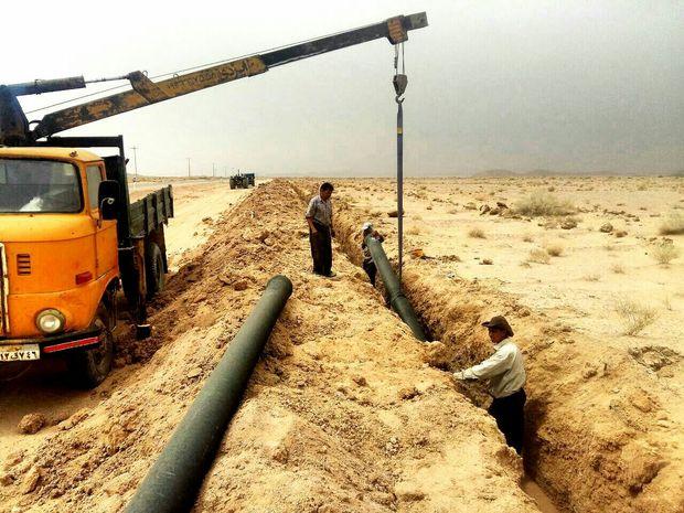 لوله انتقال آب بهنامیه به خور در حال بازسازی است