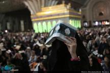 مراسم شب احیاء حرم امام در کمال آرامش در حال برگزاری است