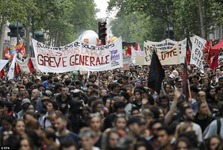 «روز خشم» علیه دولت ماکرون+ تصاویر