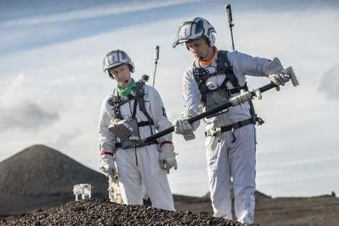 """فضانوردان برای حضور روی کره """"ماه"""" آماده می شوند + عکس"""