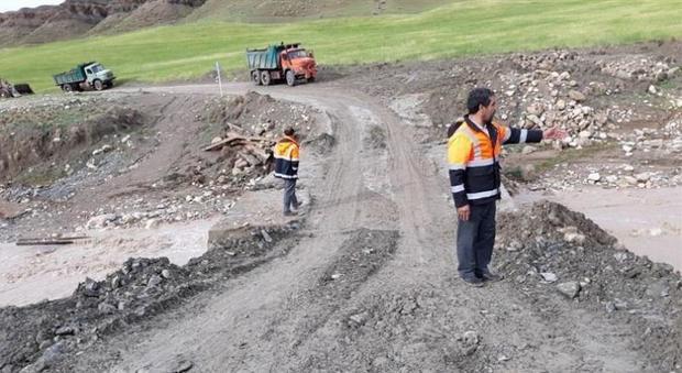 جاده های روستایی هشت شهرستان خراسان رضوی مسدود شد
