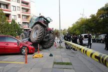 عکس/ حمله به سفارت رژیم صهیونیستی با تراکتور