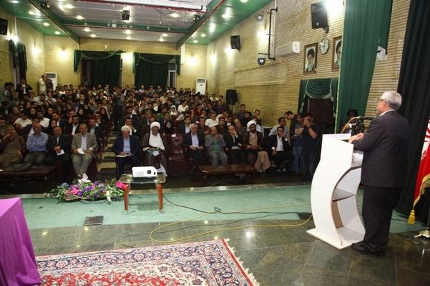 حضور متحد و منسجم جوانان تدام اقتدار کشور را موجب می شود