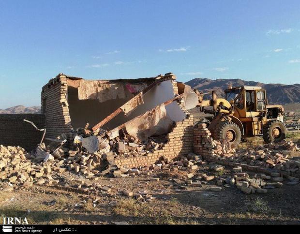 100 ساخت و ساز غیرمجاز در پاکدشت تخریب شد