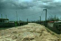 نجات 8 شهروند همدانی از محاصره سیلاب  انتقال محبوسان به مکانهای امن