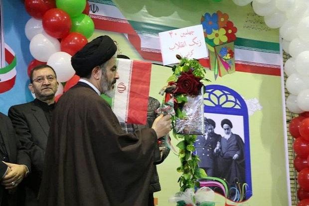 نوای زنگ انقلاب در مدارس آذربایجان غربی طنین انداز شد