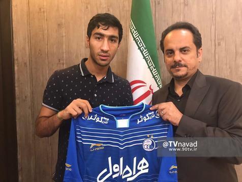 محسن کریمی با استقلال قراردادش را تمدید کرد اما تا نیم فصل از لیست آبی پوشان خارج شد! + عکس