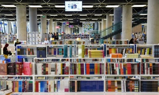 باغ کتاب تهران تا سحر میزبان شهروندان است
