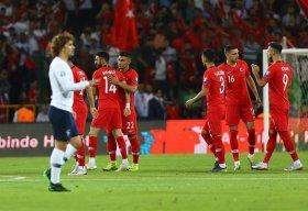 شکست قهرمان جهان در ترکیه؛ پیروزی پرگل روسیه/ برتری آلمان و ایتالیا مقابل حریفان