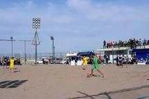 توازن تیمها با بازیکنان حرفه ای لیگ فوتبال ساحلی را رونق داد