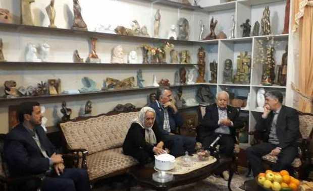 وزیر فرهنگ و ارشاد اسلامی با هنرمند پیشکسوت کرمان دیدار کرد