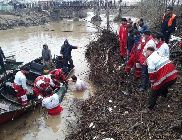 پیکر دومین سرنشین خودروی سقوط کرده در رودخانه فومن پیدا شد