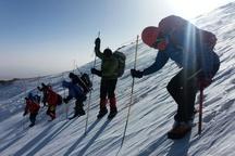 تیمهای کوهنوردی اجساد را از طریق کوهگل انتقال خواهند داد  ریزش تودههای یخ در مسیر کوهنوردان