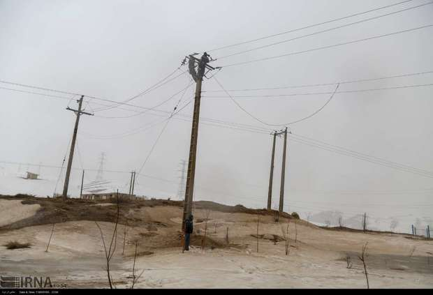 ساکنان روستاهای در معرض رانش و سیلاب جا به جا می شوند