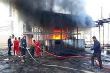 آتش سوزی در کارخانه قیر آبادان خاموش شد
