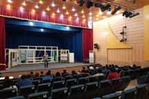 استقبال مخاطبان از فصل تئاتر استان یزد  بهرهمندی جامعه زرتشتیان یزد و اتباع خارجی از تئاتر استان