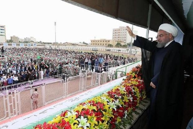 جمعی از شهروندان آستارا به استقبال رئیس جمهوری رفتند