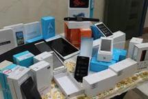 محموله 14 میلیارد ریالی تلفن همراه قاچاق در بیجار کشف شد