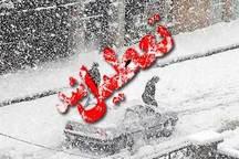 بارش برف مدارس چاراویماق را تعطیل کرد