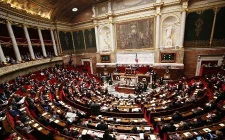 پارلمان فرانسه به سمت زنانه تر شدن گام بر می دارد