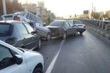 برخورد زنجیره ای 12 خودرو در بزرگراه آسیایی مشهد
